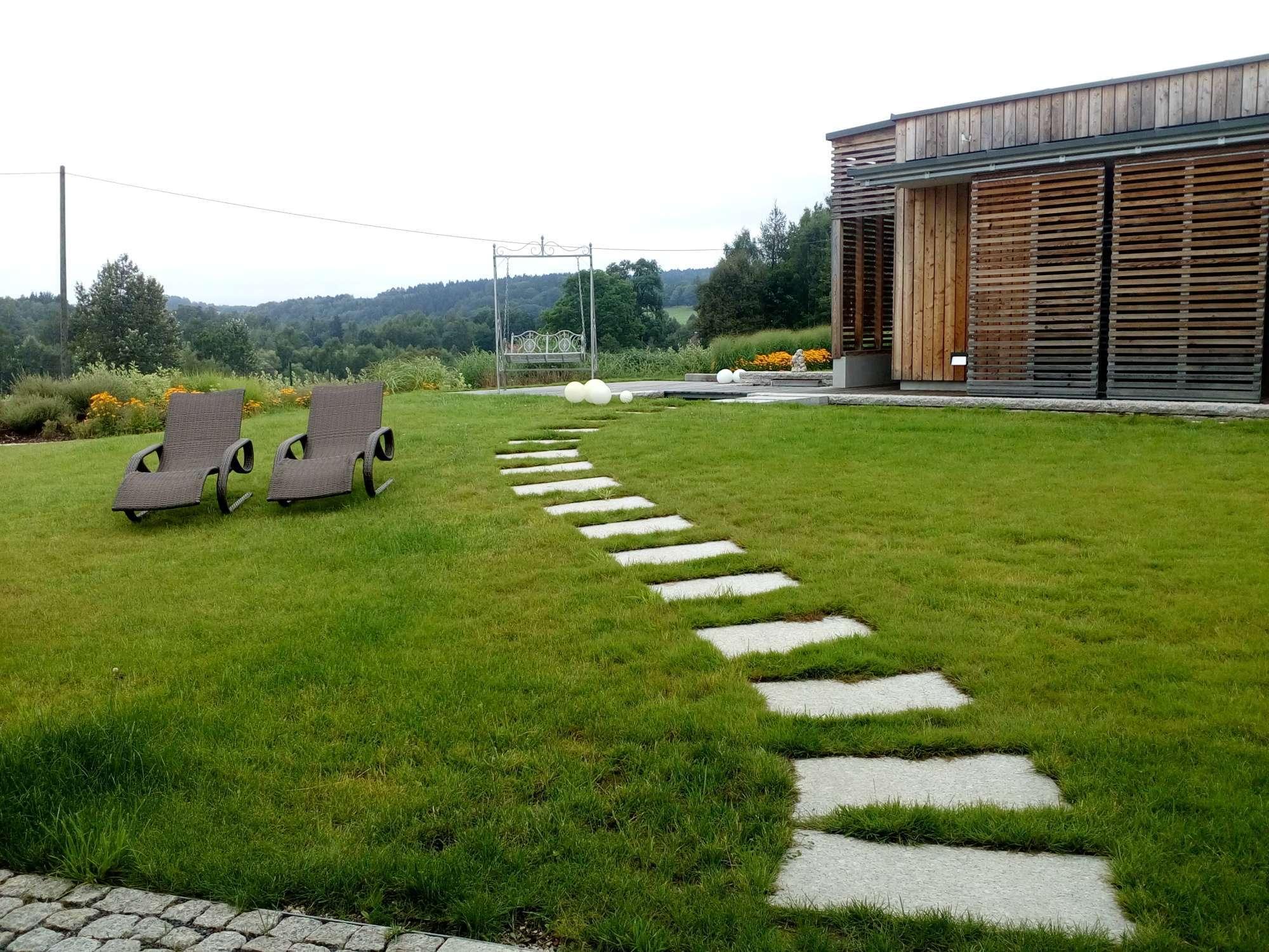 Zahrada rodinného domu na Liberecku